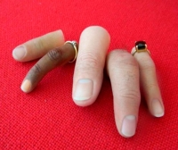 Finger external cosmetic prosthesis / adult