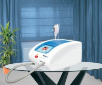 Table-top IPL system / hair removal / vascular lesion treatment